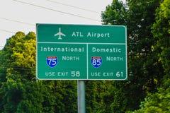 Atlanta Georgia Airport Interstate Directional Sign fotos de archivo libres de regalías
