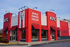 ATLANTA, GEORGIA, U.S.A. - 19 MARZO 2019: Fast food di KFC Kentucky Fried Chicken fotografie stock libere da diritti