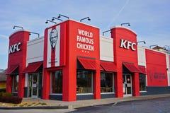 ATLANTA GEORGIA, USA - MARS 19, 2019: KFC Kentucky Fried Chicken snabbmatrestaurang royaltyfria foton