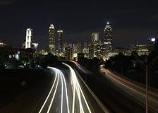 Atlanta i stadens centrum lång exponering på Jackson Memorial Bridge Arkivfoto