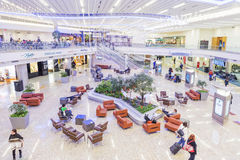 ATLANTA - Januari 19, 2016: Atlanta internationell flygplats, inre, GUMMIN arkivbild