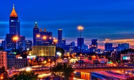 Atlanta på natten Arkivfoton