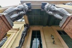 Atlantes,新的偏僻寺院-圣彼德堡俄罗斯 库存图片