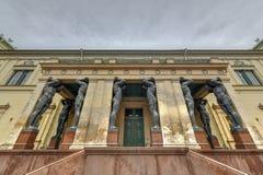 Atlantes,新的偏僻寺院-圣彼德堡俄罗斯 库存照片