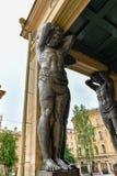 Atlantes, новая обитель - Санкт-Петербург Россия стоковое изображение