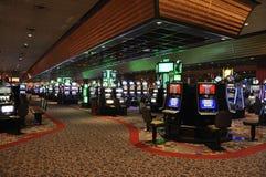 Atlantic City Augusti 4th: Inre sikt för kasino från den Atlantic City semesterorten i nytt - ärmlös tröja Royaltyfria Bilder
