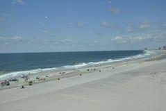 Atlantic City, el 4 de agosto: Playa del océano del centro turístico de Atlantic City en New Jersey Foto de archivo