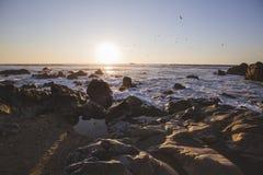 Atlantic Ocean över solnedgång royaltyfria bilder