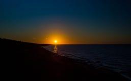 Atlantic Ocean över soluppgång Arkivbild