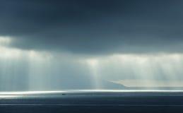 Atlantic Ocean landskap, aftonsolljus Royaltyfri Fotografi