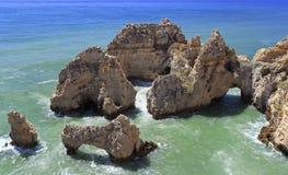 Atlantic Ocean shoreline in Ponta da Piedale Point, Algarve, Portugal Stock Photo