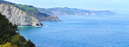 Atlantik-Küstenlinie, Biskaya-Bucht, Spanien Stockbilder