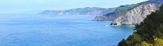 Atlantik-Küstenlinie, Biskaya-Bucht, Spanien Lizenzfreies Stockbild