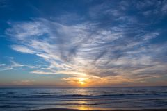 Atlantik-Sonnenuntergang, Lacanau Frankreich Lizenzfreie Stockfotos