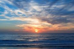 Atlantik-Sonnenuntergang, Lacanau Frankreich Stockfotos