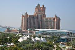 Atlantis gömma i handflatan på gömma i handflatan Jumeirah, Dubai Royaltyfri Bild