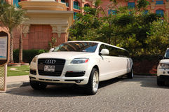 Atlantis het hotel van de Palm en een limousine Royalty-vrije Stock Foto's