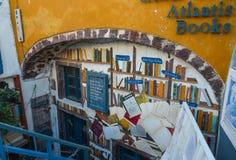 Atlantisboekhandel op Santorini-Eiland stock afbeeldingen