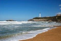 Atlantische golven die naar coas dichtbij Biarritz schommelen. stock fotografie