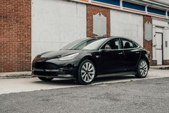 5/12/18 - Atlantische Hochländer, NJ - Tesla-Modell 3 Lizenzfreies Stockfoto