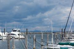 Atlantische Hooglandenjachthaven met de Horizon van Manhattan stock foto