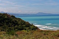 Atlantische kust van loon Baskisch, dichtbij Bidart, Frankrijk stock foto