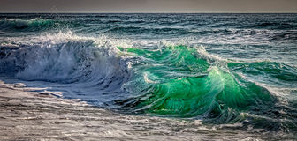 Atlantisches Shorebreak stockbild