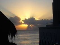 Atlantisk morgonsoluppgång arkivfoton