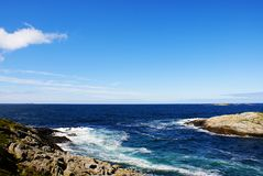 Atlantycka ocean droga w Norwegia Piękny pogodny krajobraz Scandinavia obrazy stock