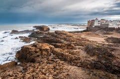 Atlantycka ocean linia brzegowa przy Essaouira Zdjęcie Stock