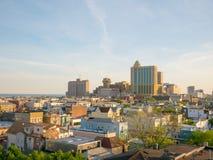 ATLANTYCKI miasto, NJ - MAJ 2018 Widok od above Atlantycki miasto przy zmierzchem, Nowy - bydło Miasto zna dla swój kasyn, boardw Zdjęcia Royalty Free