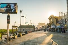 Atlantycki miasto, nowy - bydło, usa 09-04-17: Atlantycki miasta Boardwalk Fotografia Royalty Free