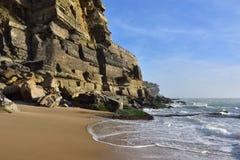 Atlantycki oceanu wybrzeże, Azenhas Mąci wioskę, Sintra, Lisbon, Po Fotografia Royalty Free