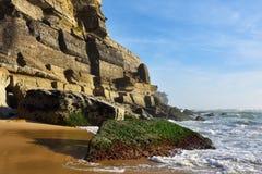 Atlantycki oceanu wybrzeże, Azenhas Mąci wioskę, Sintra, Lisbon, Po Obrazy Royalty Free
