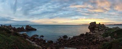 Atlantycki oceanu wybrzeże w Brittany Obrazy Royalty Free