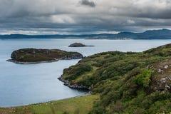 Atlantycki Oceean przeglądać od Drumbeg, Szkocja Zdjęcie Royalty Free
