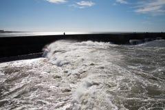 Atlantyckie fala przy Portugalia wybrzeżem Fotografia Stock