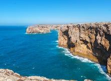 Atlantyk przylądka brzegowy pobliski Sao Vincente Portugal algarve obrazy royalty free