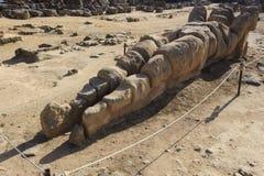 Atlas arruinado no campo de Olympeion no dei Templi de Valle em Agrigento - Sicília, Itália Imagem de Stock Royalty Free
