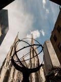 Atlas en St Patrick ` s Kathedraal Royalty-vrije Stock Afbeelding