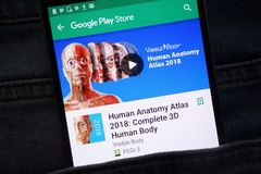 Atlas humano 2018 de la anatomía: App completo del cuerpo humano 3D en la página web del Google Play Store exhibida en smartphone fotografía de archivo libre de regalías