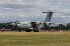 Atlas A400M landet an der königlichen internationalen Luft-Tätowierung Stockfotografie