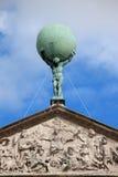 Atlas portant la statue de globe Image libre de droits