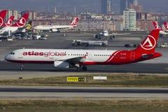 AtlasGlobal空中客车A321起飞 库存照片