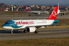Atlasjet flygbuss A319 Royaltyfri Foto