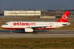 Atlasjet flygbuss A320 Royaltyfri Fotografi