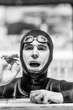 Atleet Finishing het Uitgangsprotocol met het O.k. Handteken stock foto