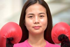 Atleta adolescente impasible Female Boxer fotografía de archivo