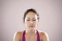Atleta chino asiático que siente decepcionado Fotos de archivo