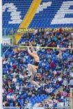 Atleta del salto con l'asta Fotografie Stock Libere da Diritti